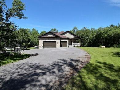 176 Home Avenue, Vankleek Hill, Ontario K0B1R0