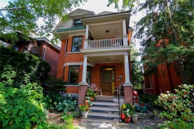 Photo of 4 Oakland Avenue, Ottawa, Ontario K1S2T2
