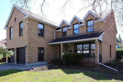 Photo of 28 Country Club Drive, Ottawa, Ontario K1V9Y5