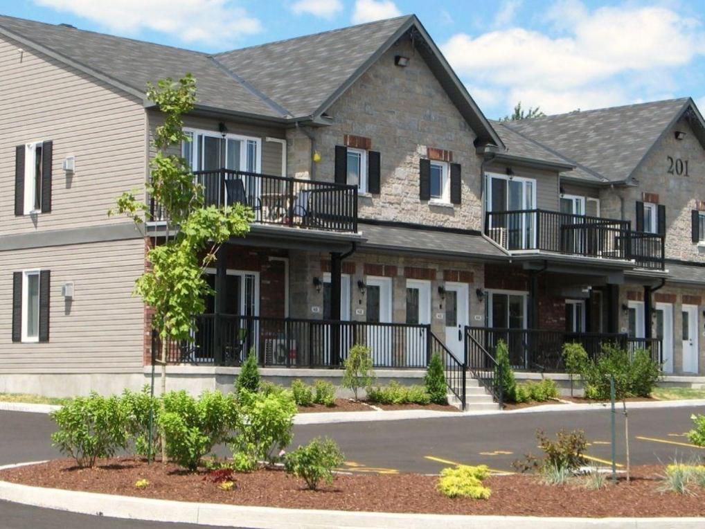 201 Eliot Street Unit#403, Rockland, Ontario K4K0G4