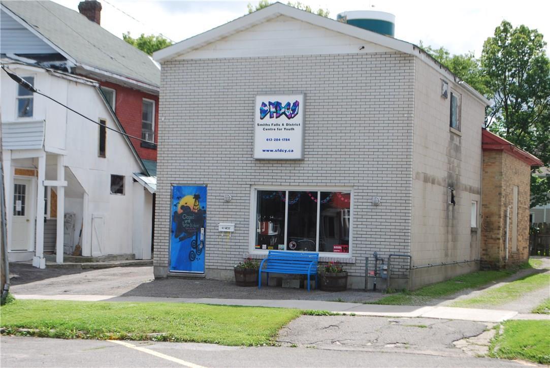 41 Main Street W, Smiths Falls, Ontario K7A1M7