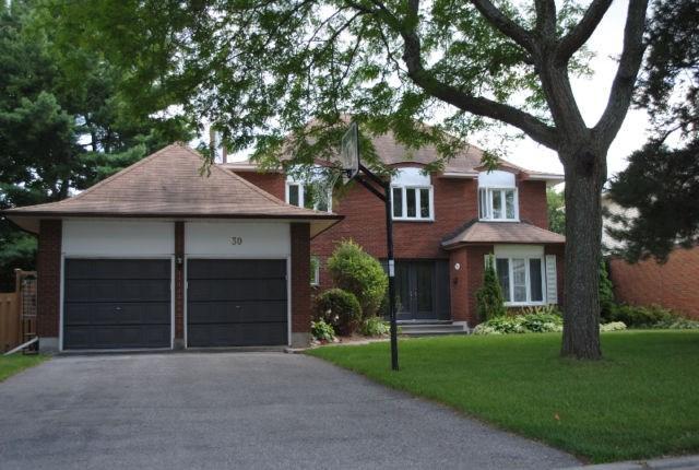 30 Sparrow Way, Ottawa, Ontario K1V9H5