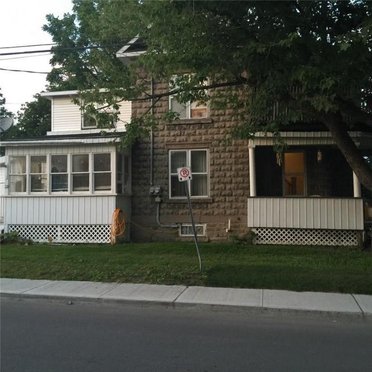 2 Foster Avenue, Smiths Falls, Ontario K7A1K1