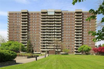 Photo of 1705 Playfair Drive Unit#402, Ottawa, Ontario K1H8P6