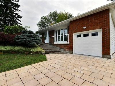 Photo of 3 Parkwood Crescent, Gloucester, Ontario K1B3J5