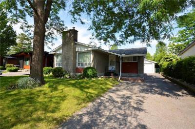 Photo of 743 Courtenay Avenue, Ottawa, Ontario K2A3B9