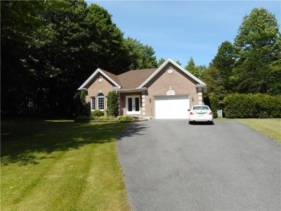 Photo of 2721 Maplewood Drive, Hawkesbury, Ontario K6A2R2