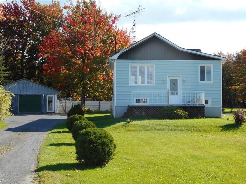2076 Sandy Hill Road, L'orignal, Ontario K0B1K0