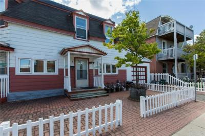 Photo of 2 Willow Street, Ottawa, Ontario K1R6V6