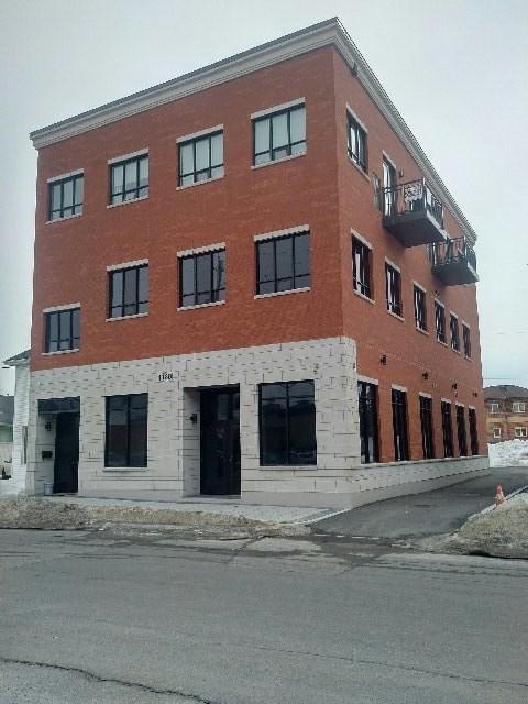 1180 Rockingham Avenue, Ottawa, Ontario K1H8A7