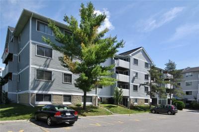 Photo of 218 Viewmount Drive Unit#101, Ottawa, Ontario K2E7X5