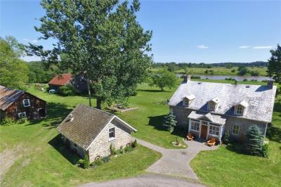 Photo of 6425 County 17 Road, Plantagenet, Ontario K0B1L0