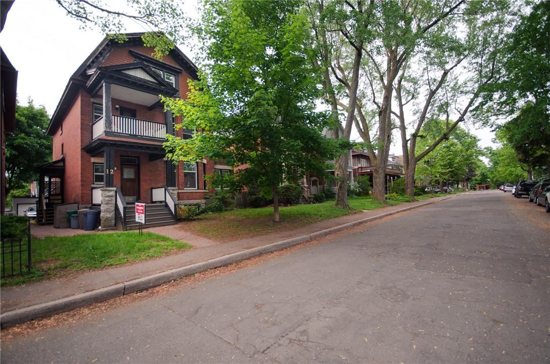 12 Woodlawn Avenue, Ottawa, Ontario K1S2S9
