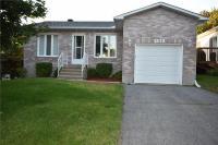 2532 Raymond Street, Rockland, Ontario K4K0B6