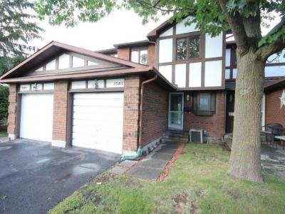 Photo of 1085 Millwood Court, Ottawa, Ontario K1C3E9