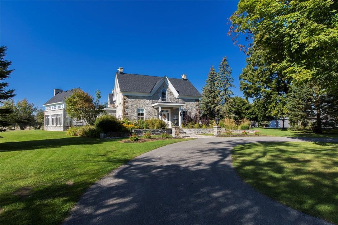 723 Upper Dwyer Hill Road, Ottawa, Ontario K0A1A0