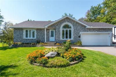 Photo of 314 Daniel Crescent, Rockland, Ontario K4K1K7