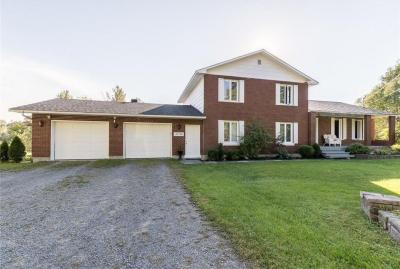 Photo of 3196 Front Road, Hawkesbury, Ontario K6A2R2