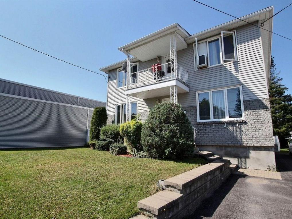 332 Bertha Street, Hawkesbury, Ontario K6A2A8