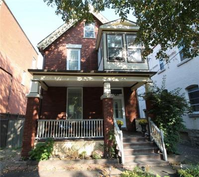 Photo of 487 Cooper Street, Ottawa, Ontario K1R5H8