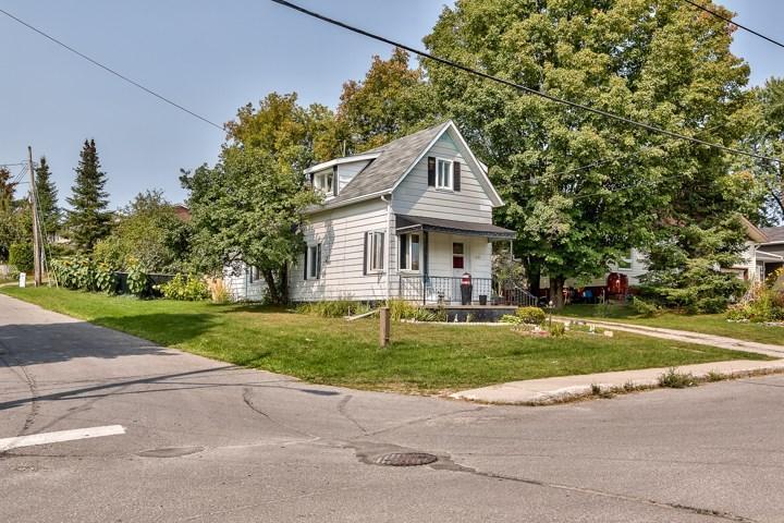 216 Augusta Street, Almonte, Ontario K0A1A0
