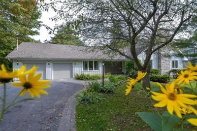 Photo of 82 Rothwell Drive, Ottawa, Ontario K1J7G8