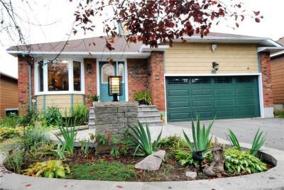 Photo of 58 Jarlan Terrace, Ottawa, Ontario K2L3L3