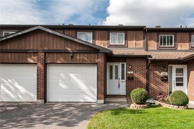 Photo of 3303 Hogarth Avenue, Ottawa, Ontario K1T1S6