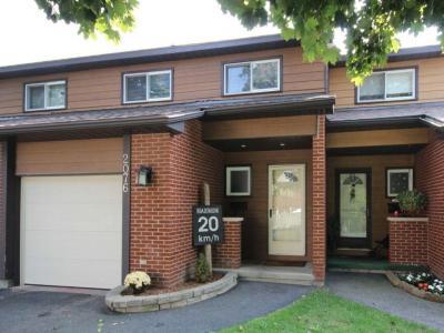 Photo of 2076 Orient Park Drive, Ottawa, Ontario K1B4V9