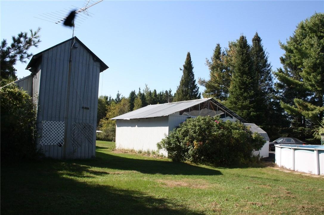 2122 Sandy Hill Road, L'orignal, Ontario K0B1K0