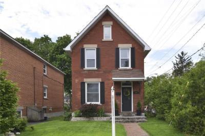 Photo of 644 Churchill Avenue, Ottawa, Ontario K1Z5G1