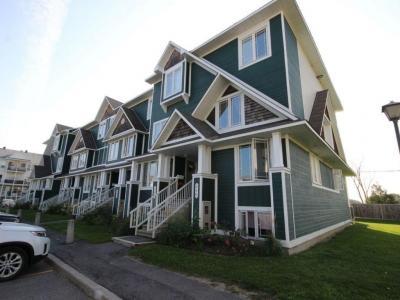 Photo of 348 Crownridge Drive, Kanata, Ontario K2M3A4