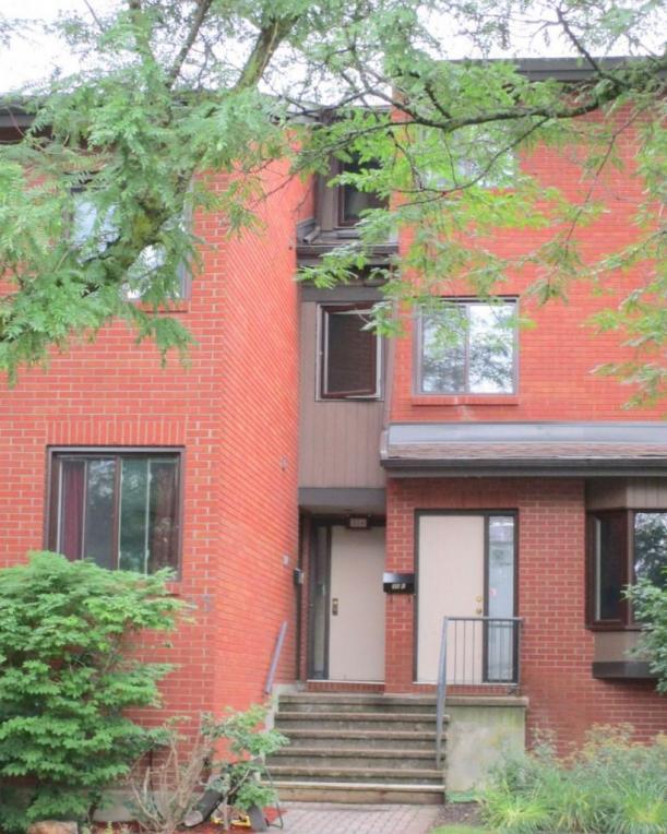 35 Robinson Avenue Unit#e, Ottawa, Ontario K1N8N8