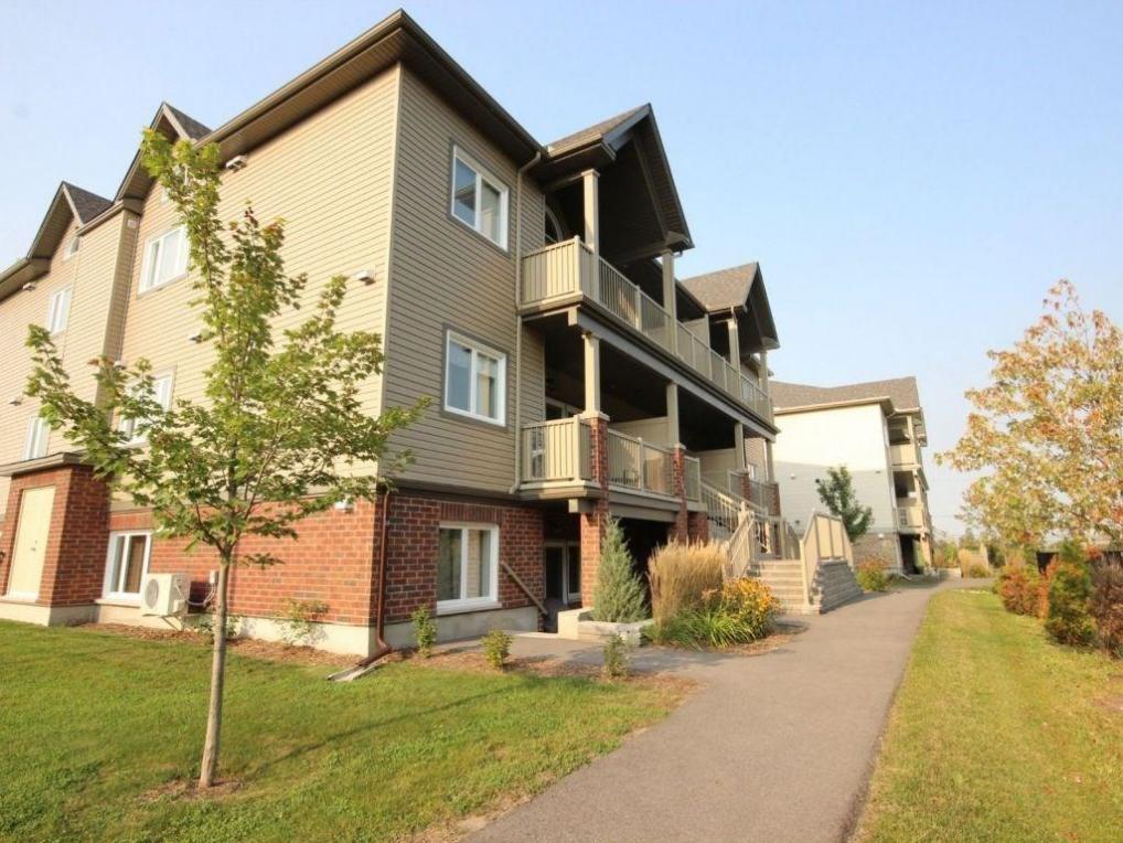 362 Wood Acres Grove Unit#k, Ottawa, Ontario K1T0M7