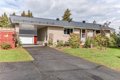 Photo of 2818 Colonial Road, Sarsfield, Ontario K0A3E0
