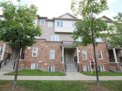 Photo of 290 Espin Heights, Nepean, Ontario K2J0Y8
