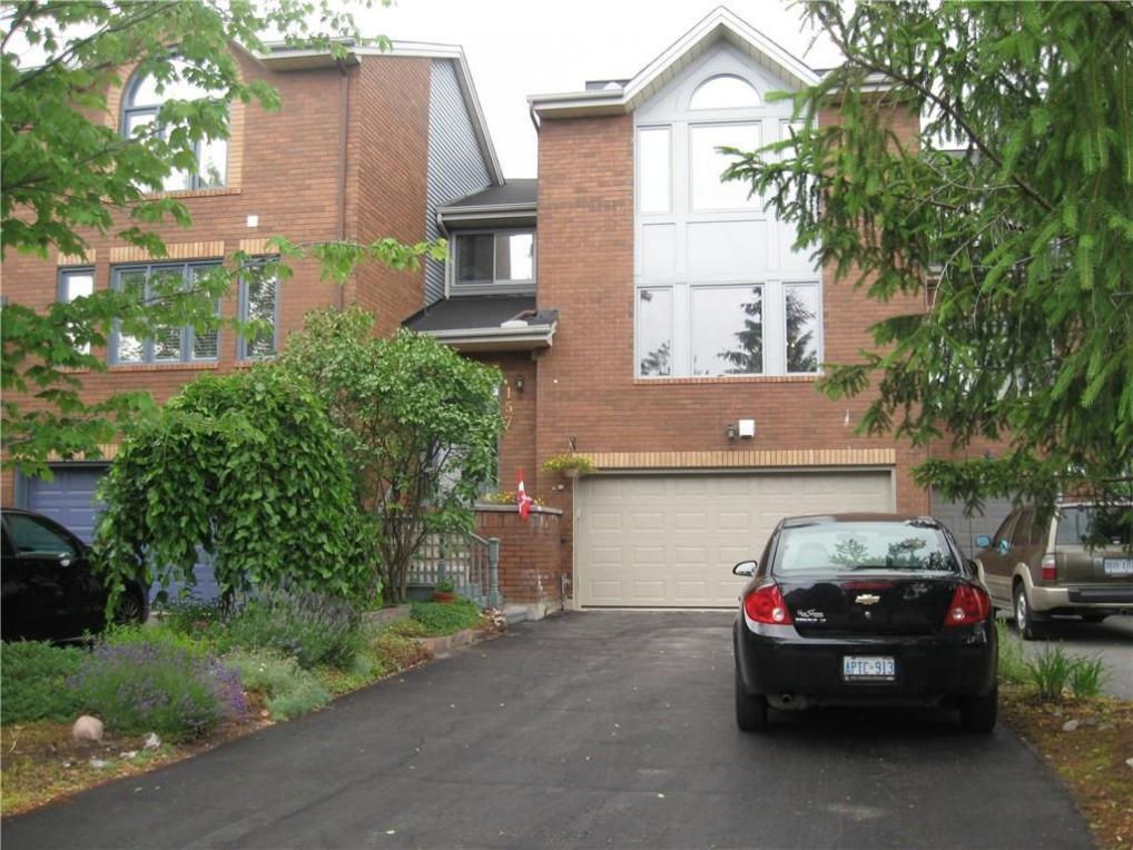 157 Dunbarton Court, Ottawa, Ontario K1K4L5