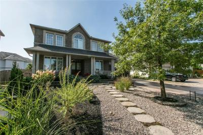 Photo of 10 Len Lunney Crescent, Nepean, Ontario K2G6X6