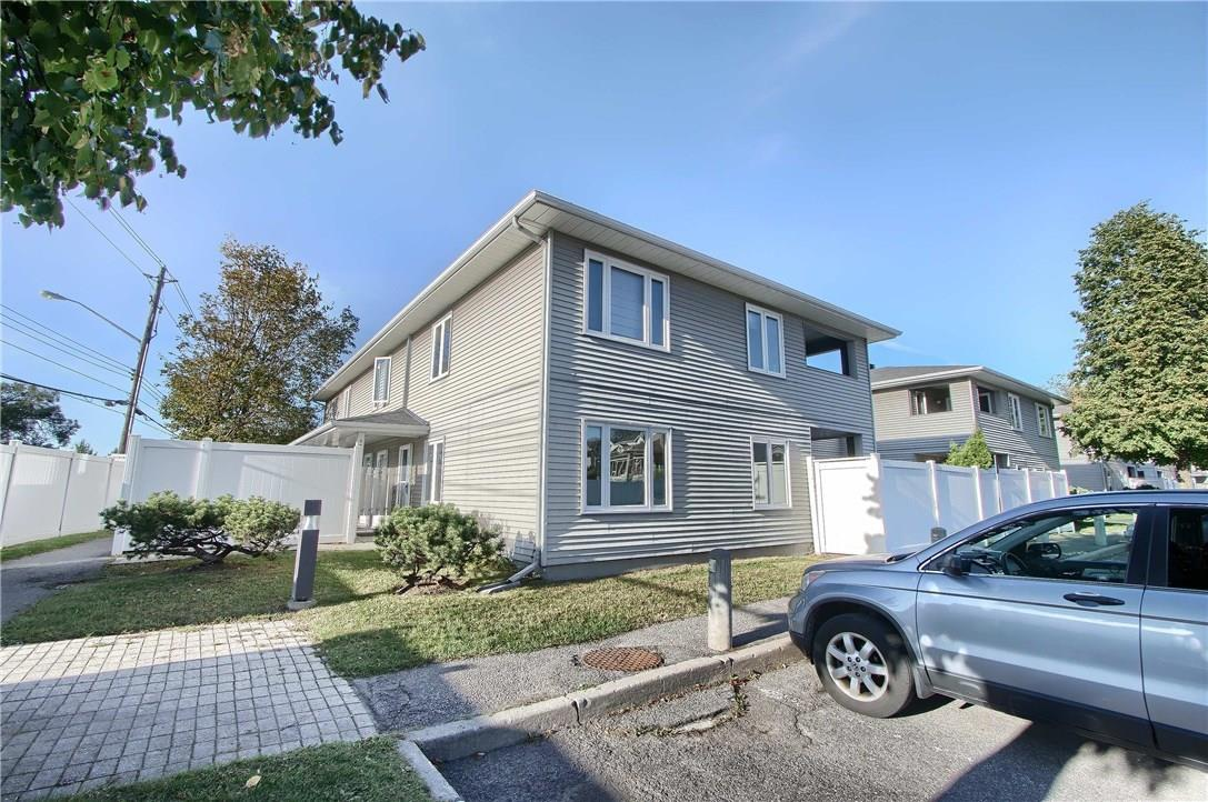 1031 Cummings Avenue Unit#d, Ottawa, Ontario K1J9K7