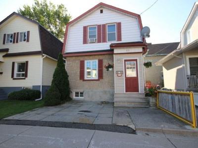 Photo of 32 Oxford Street, Ottawa, Ontario K1Y2R7