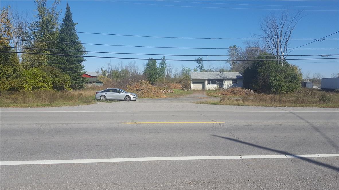 6571 Bank Street, Greely, Ontario K4P1N5