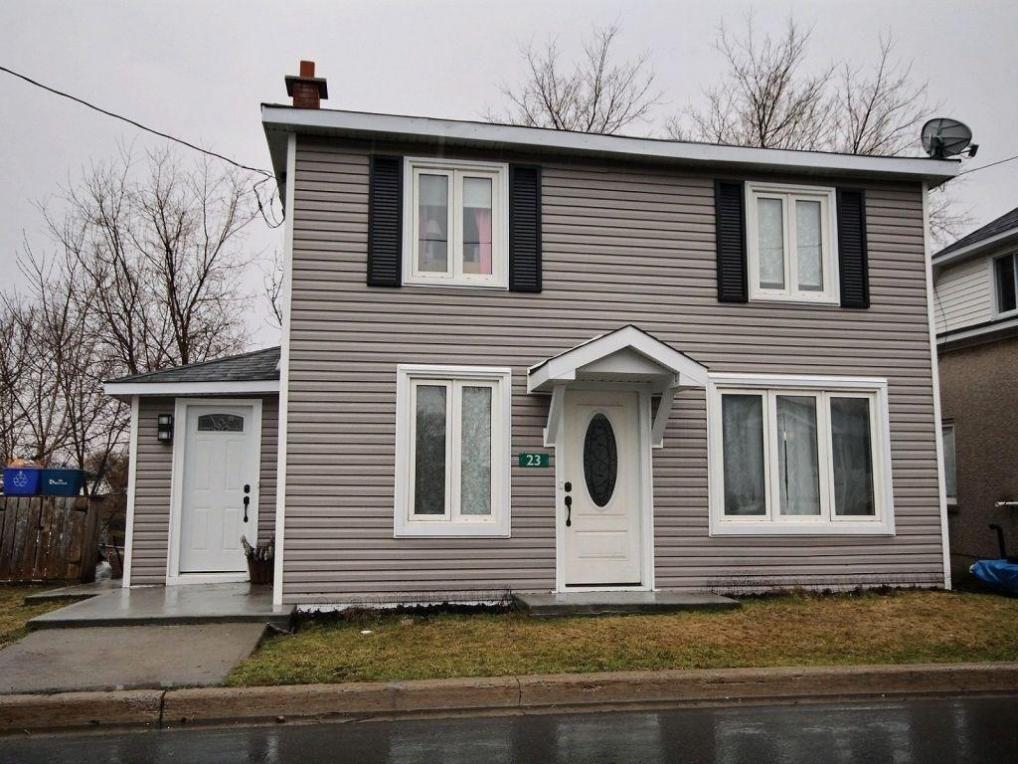 23 Charles Street, Crysler, Ontario K0A1R0