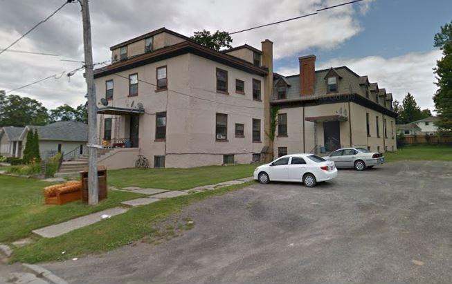 6 Fairknowe Drive, Brockville, Ontario K6V1J5