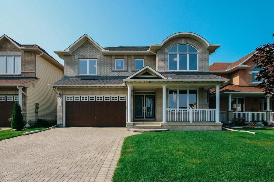 720 Beaudelaire Drive, Ottawa, Ontario K4A0S4