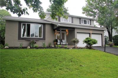 Photo of 51 Silver Aspen Crescent, Ottawa, Ontario K1B3C3