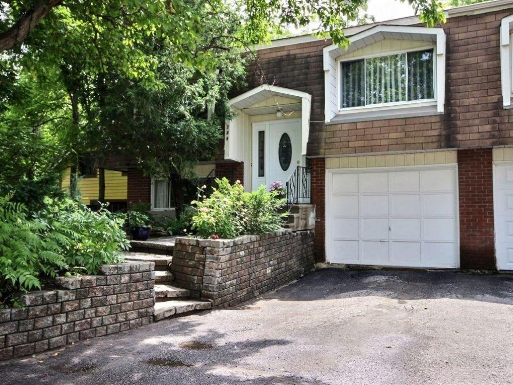 284 Bridge Street, Carleton Place, Ontario K7C3H6