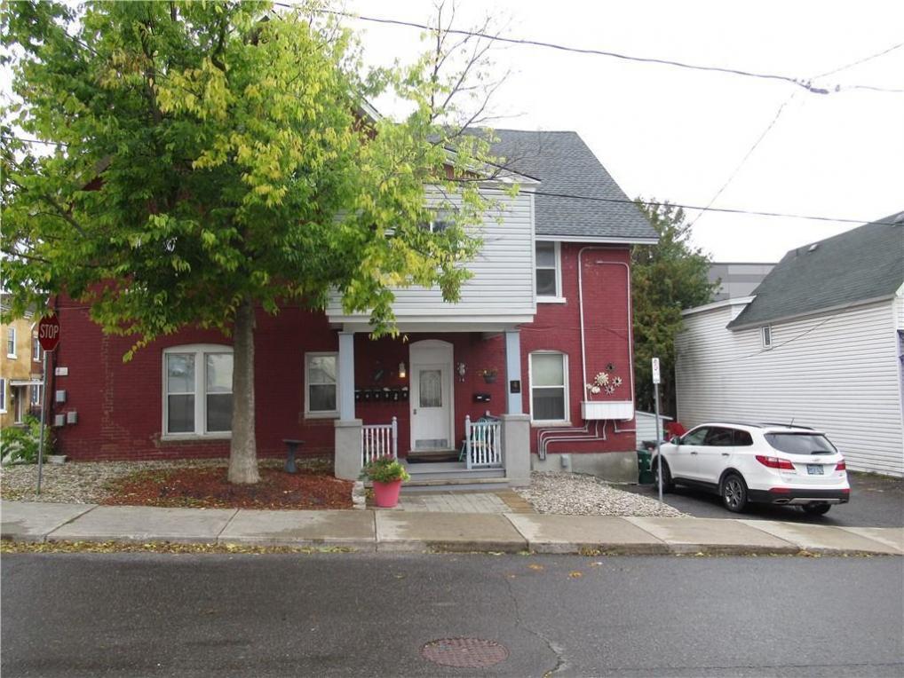 4 Eccles Street, Ottawa, Ontario K1S2J5