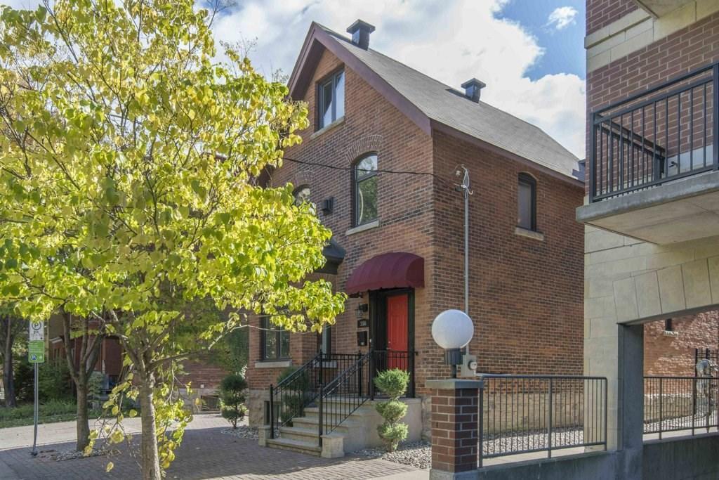 356 Cooper Street, Ottawa, Ontario K2P0G9