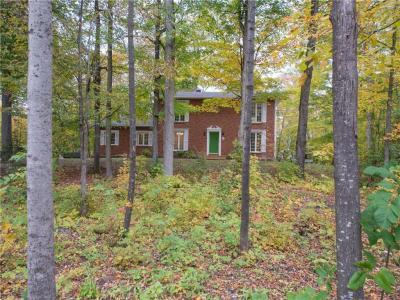 Photo of 1540 Cumberland Ridge Drive, Cumberland, Ontario K4C1E1