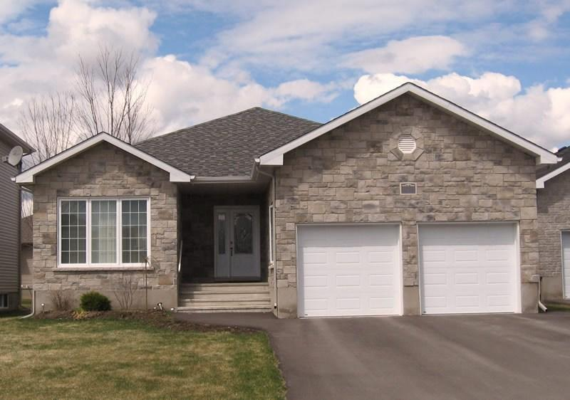 120 Route 500 Road, Russell, Ontario K4R1E5